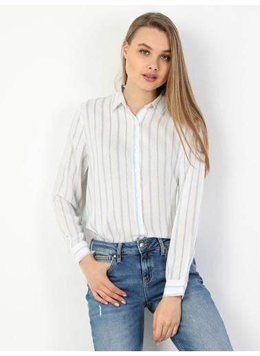 Colin's Regular Fit Standart Kol V Yaka Kadın Gömlek Uzun Kol Beyaz